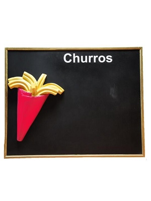 Pizarra de pared 100 x 80 cm color rojo, con aplique de churros.